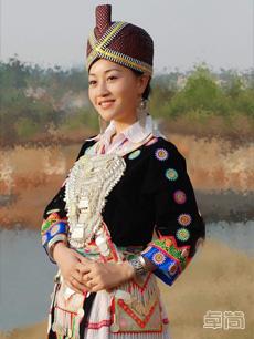 黔中南苗族服饰定制
