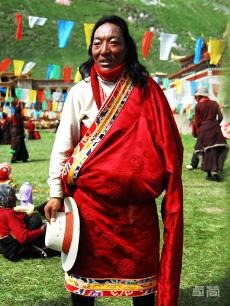 后藏地区藏族服饰定制