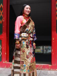 藏北地区康巴藏族服饰定制