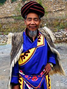 羌族服饰定制