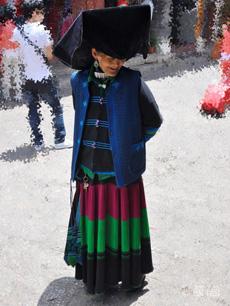 传统蜈蚣扣对襟纳西族服饰定制