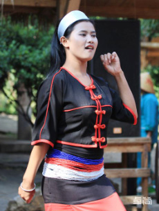 佤族服饰定制