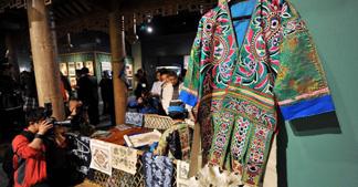 刘湘萍:中国民族服装文化必将成为世界级的中国符号!