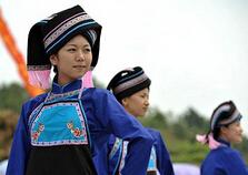广西壮族服饰特点介绍