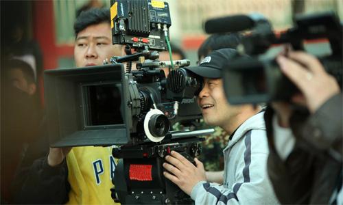 【北京剧组】爱新觉罗宗亲会不远千里选择乐虎国际官网少数民族服装