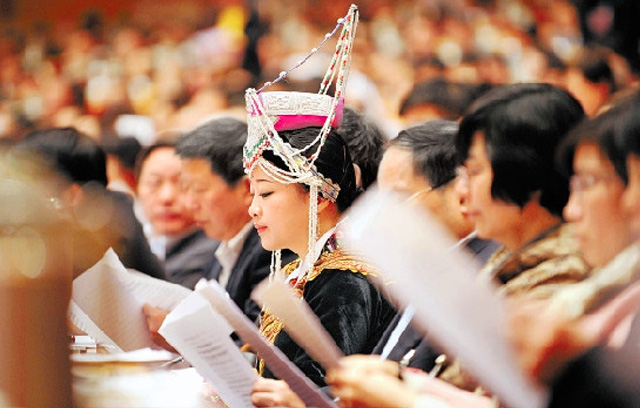 【合作】sbf胜博发娱乐携手少数民族协会  只为给您最好的少数民族服装
