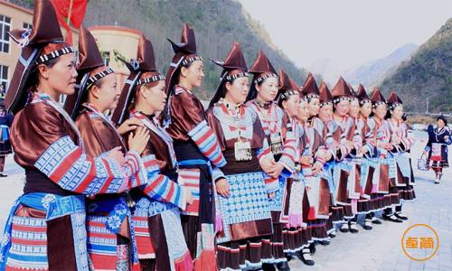 【贵州】安顺苗族跳花节携手0898read.com  打造完美节庆少数民族服装