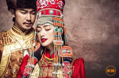 至美的蒙古族服饰文化