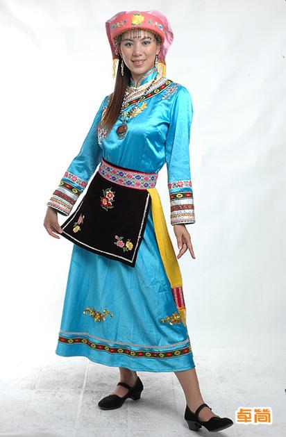 羌族服饰 可应用领域: 展馆展厅,民族节庆,餐饮企业,旅游机构等 设计