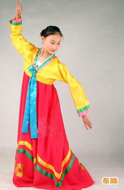首页 少数民族服装 朝鲜族服饰 传统朝鲜族服饰定制