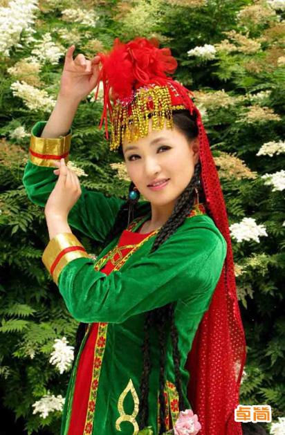 塔塔爾族服飾定制